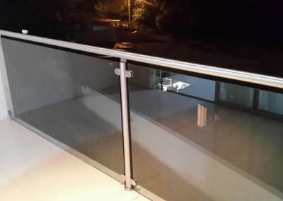 Baranda Inoxidable con vidrio temperado
