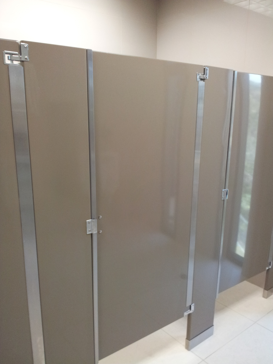 Puertas De Baño Publico:Puertas y divisiones de baño 1